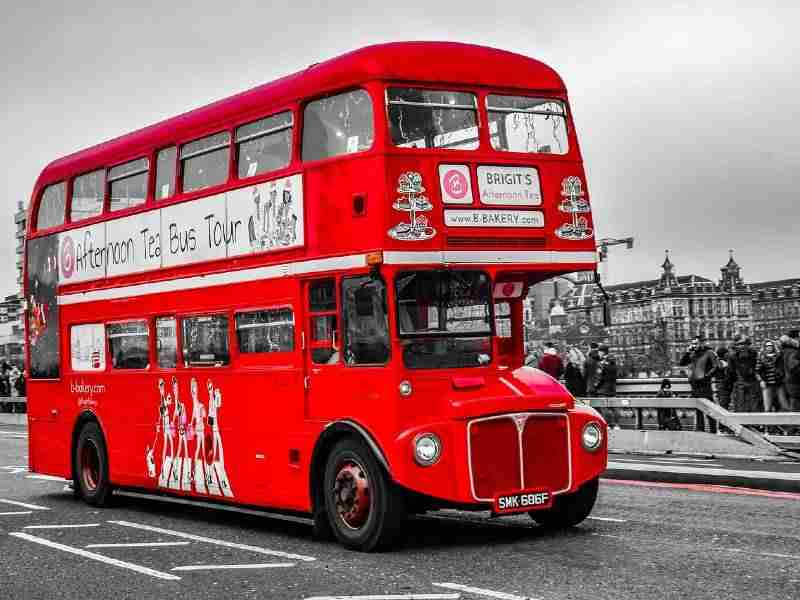 London's famous red bus